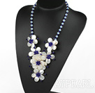 Elegant och Big Style Dark Blue Crystal och Opal och vit Lip Shell Flower halsband