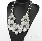 Elegant og Big stil Black and White Pearl og Garnet og Shell Flower partiet halskjede