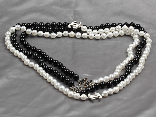 Long Style 8mm Black and White Color Sea Shell Beaded Necklace