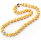 2013 Summer New Design Bright Yellow Color Round 10mm Seashell Beaded Knotted Necklace with White Rhinestone Ball