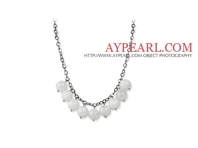 Simple Design 18mm Round White Acrylic Beads Necklace with Black Metal Chain
