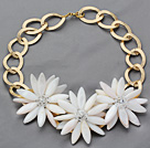 Wholesale 2013 Summer New Design White Shell Flower Necklace with Golden Color Metal Chain