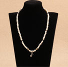Wholesale Classic Design Round Howlite Necklace with Heart Shape Pendant