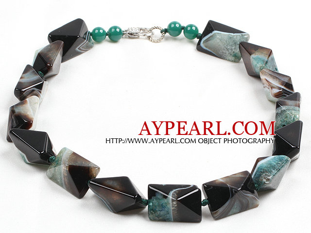 Classic Design Green Black Solid Cutting Crystallized Agate Chunky Necklace