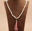 Hot Sale Natural Potato Shape White Pearl Necklace with Pink Tassel Pendant