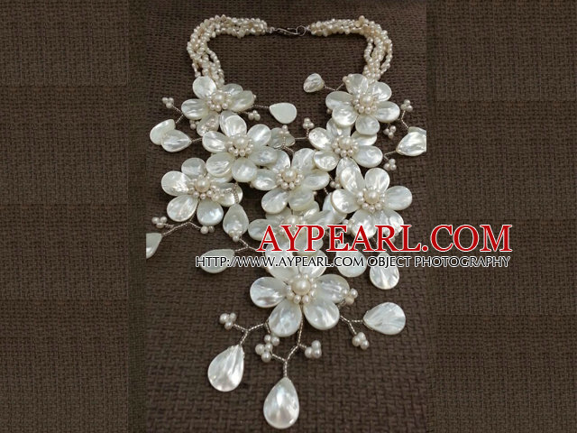 Fantastic Fashion Natural White Freshwater Pearl Shell Flower Party Necklace
