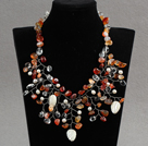 Fashion Assorted Freshwater Pearl Crystal Shell And Agate Wired Crochet Flower Party Necklace