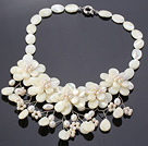 Elegant Layer vit Lip Shell och Pearl Flower Wired Virka Party Halsband