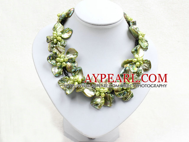 Beautiful Green Series 9 Pearl Shell Flowers Leather Necklace