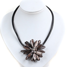 Classic Natural Black Series Freshwater Pearl Shell Flower Party Necklace With Black Leather