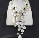 Fantastic Fashion Natural White Lip Shell Freshwater Pearl Flower Statement Party Necklace