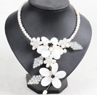 Gorgeous Beautiful White Series Natural Pearl Crystal Shell Flower Statement Party Necklace