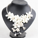 Gorgeous Beautiful Natural White Freshwater Pearl White Lip Shell Flower Statement Party Necklace