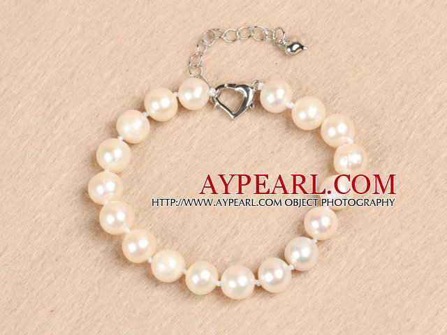 Elegant 9-10mm A Grade Natural White Freshwater Pearl Bracelet with Heart Clasp