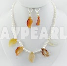 Wholesale pearl agate set