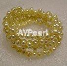 Färgad pärla armband