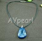 kristalliserat blå agat hänge