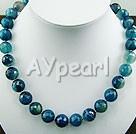 mångfasetterade blå agat halsband