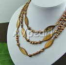 Wholesale pearl shell crystal necklace