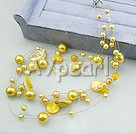 Wholesale acrylic pearl shell necklace