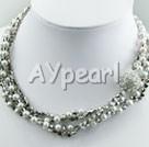 pärla och konstgjorda kristaller halsband