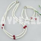 pärla blod sten halsband