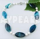 pärla blå agat halsband