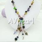 flera färger kristall halsband