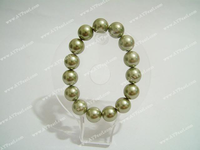 Seashell bead bracelet